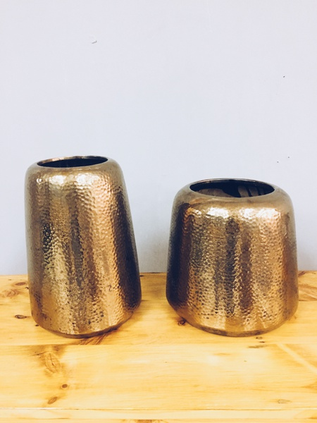 Bronze vases picture