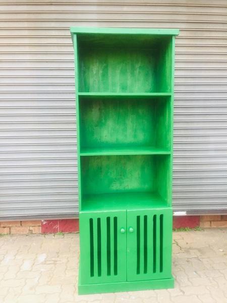 Book shelve gratel picture