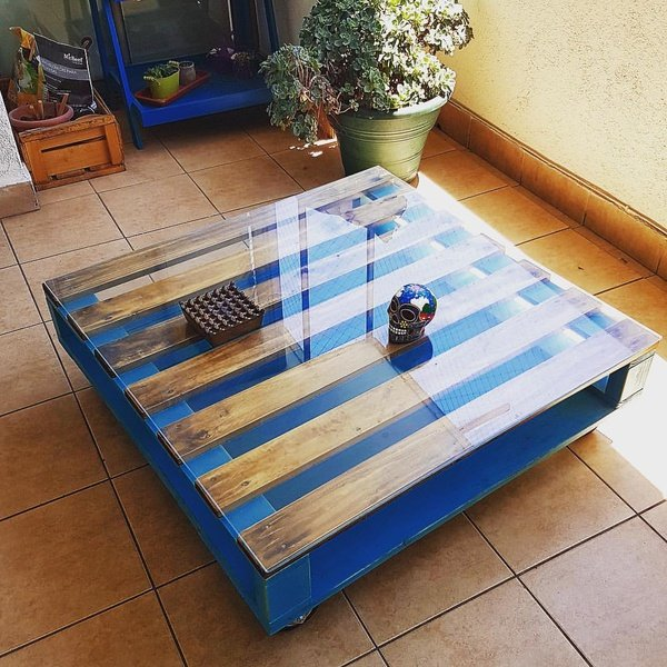 Coffee table washu picture