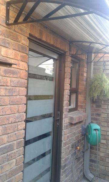 Hinged single door picture