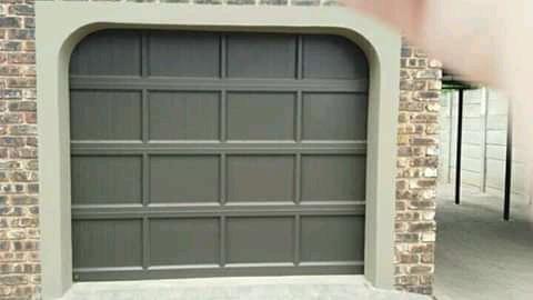 Single garage door picture