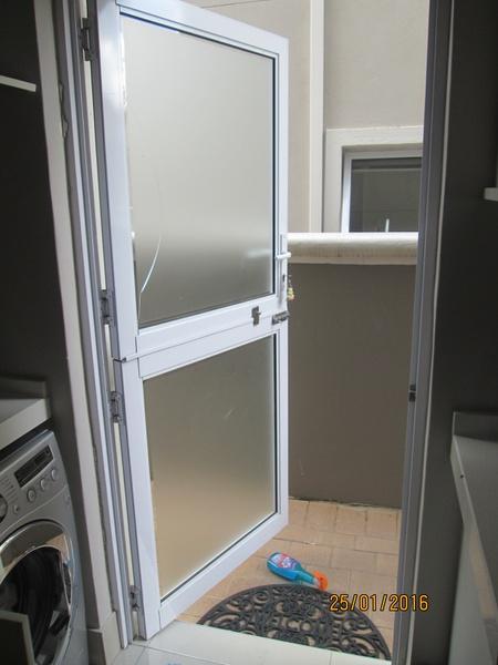 Stable door picture