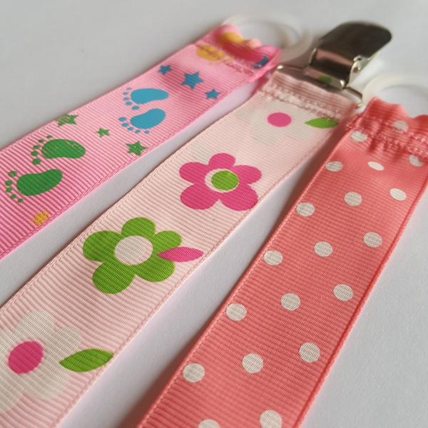 Pink ribbon dummy clips picture