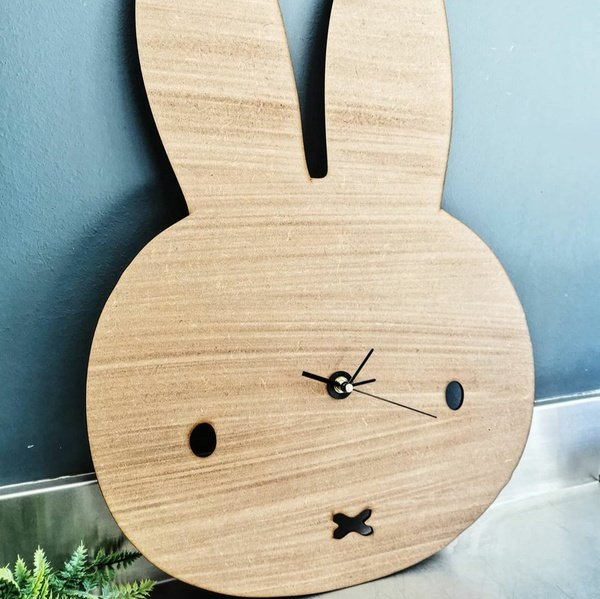 Animal shaped clock picture