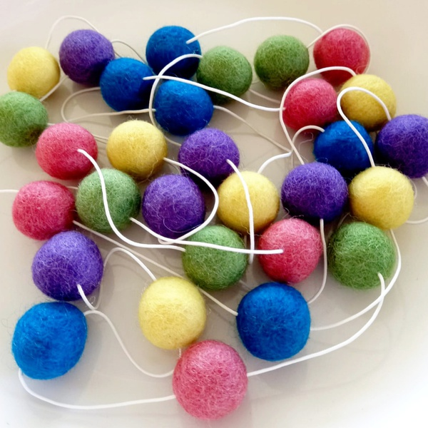 """Wool felt garland - """"bright colours"""" picture"""