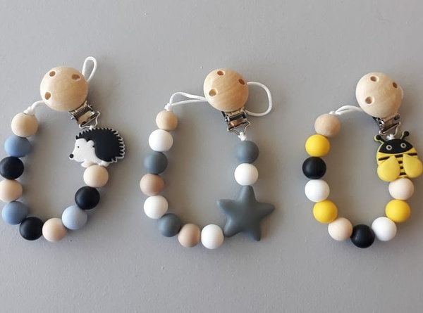 Hedgehog, star and bee dummy clip picture