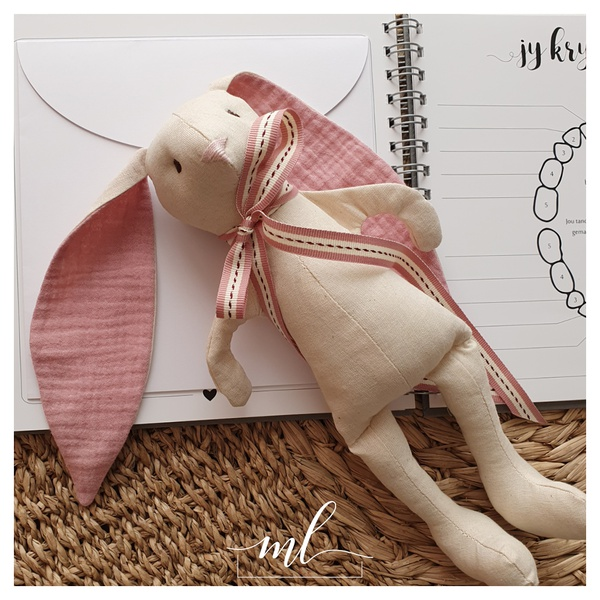 Muslin rose cotton bunny picture