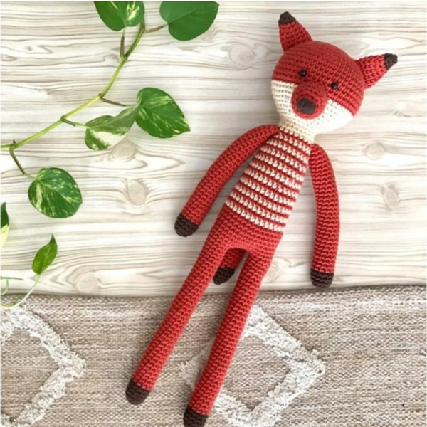 Mr fox. crochet toy picture