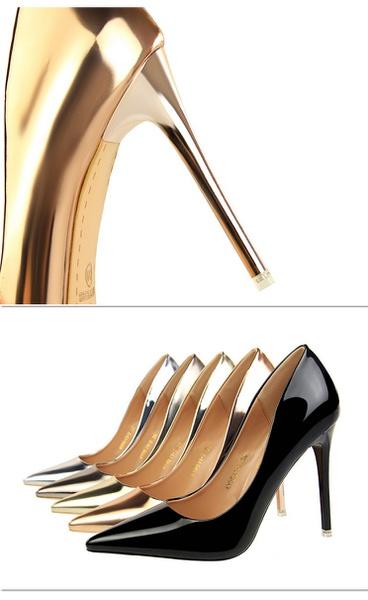 Stylish heels picture