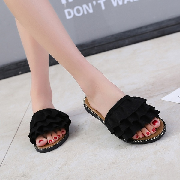 Lace type sandals picture