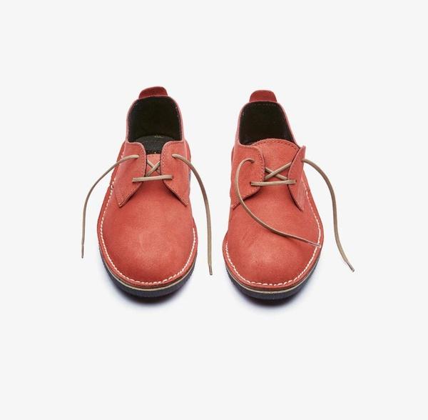 𝐓𝐡𝐞 𝐋𝐞𝐠𝐞𝐧𝐝 - suede low cut velskoen - mandarin red picture