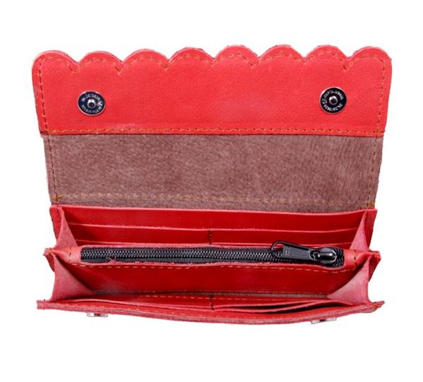 Scallop leather purse picture