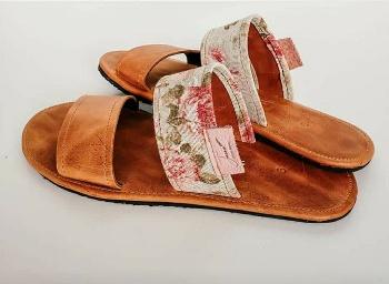 Cencia sandals picture