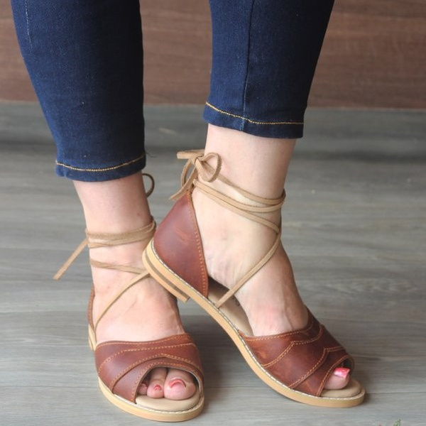 Charming leather sandals picture