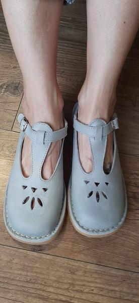 Schoolie shoes picture