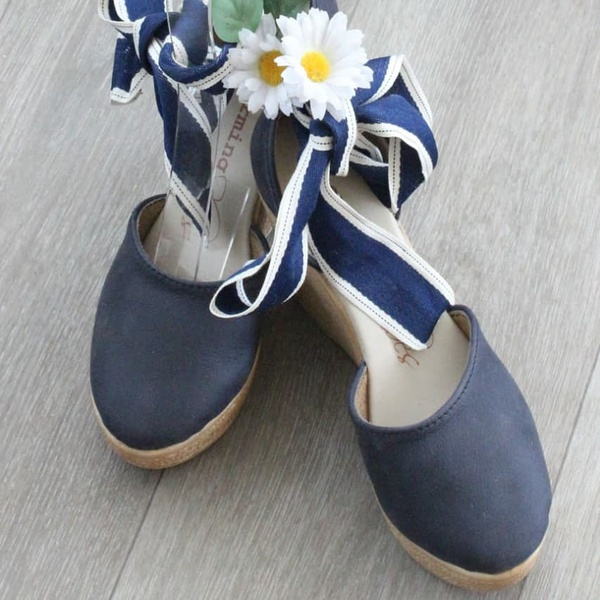 Jenna - closed toe wedge shoes picture