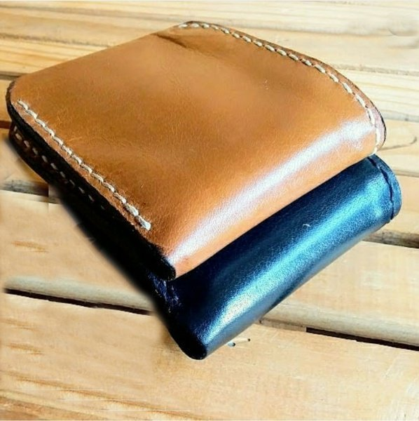 Mens zippered bi-fold wallet picture