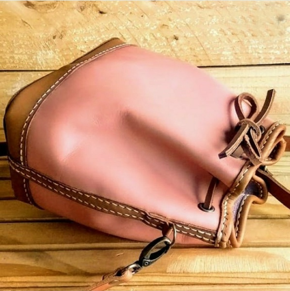 Bucket bag picture