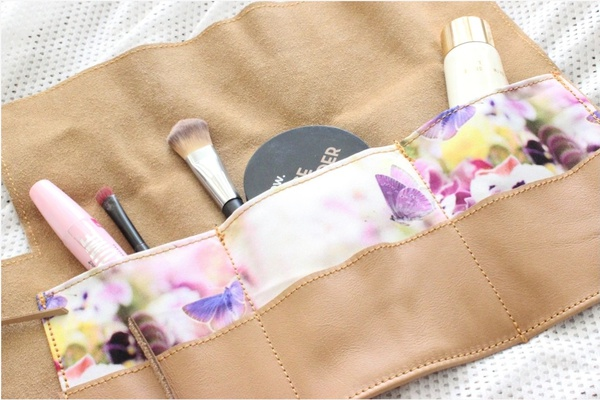 Charming roll-up makeup bag picture