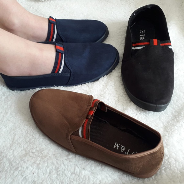 Ladies casual shoes picture