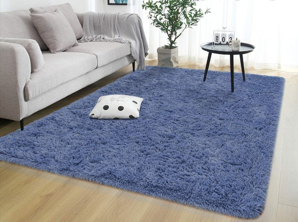 Grey with blue sheen fluffy carpet. 1.5m x 2m picture