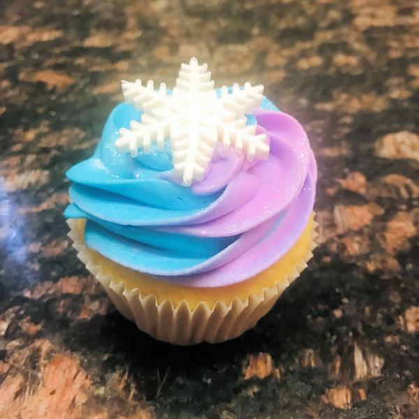 Snow flake dual colour cupcake picture