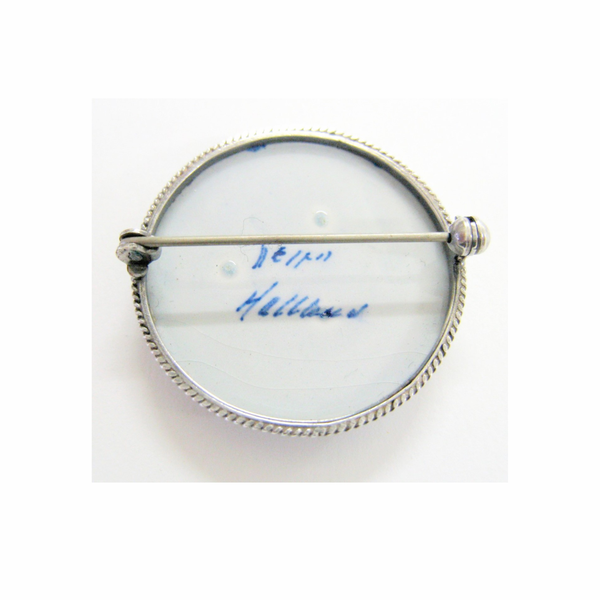 Vintage hallmarked delfts porcelain brooch picture