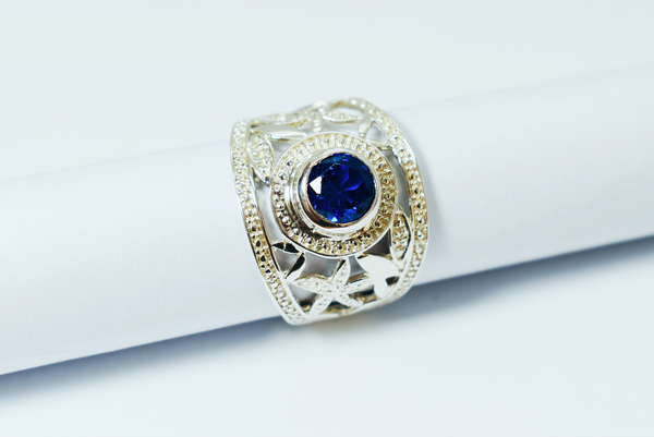 Royal blue zirconia sterling silver ring picture