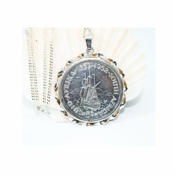 Tri-centenary silver 5 shilling coin necklace picture