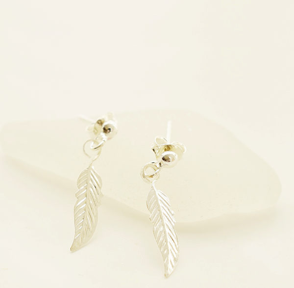 Feather sterling silver stud earrings picture