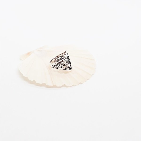 Wide filigree sterling silver ring picture