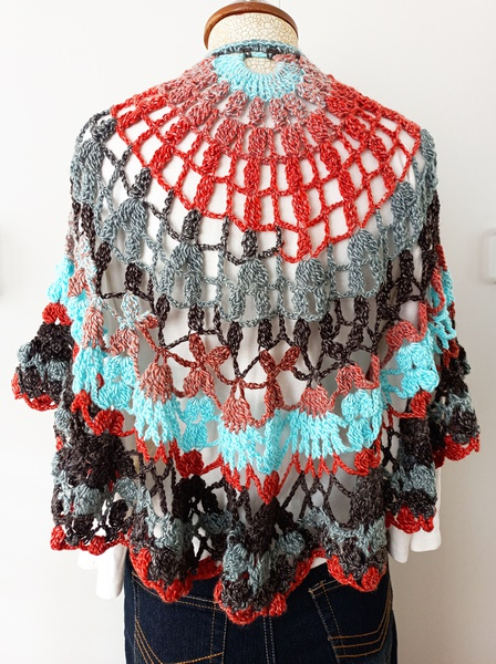 Grey-red crochet shawl picture