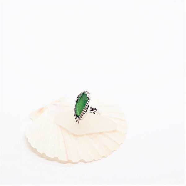 Green sterling silver ring picture
