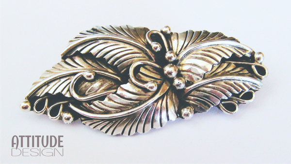 Vintage leaf sterling silver brooch picture