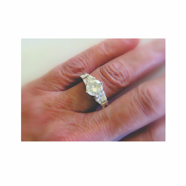Vintage zirconia sterling silver ring picture
