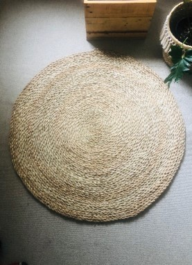 Natural round reed rugs picture