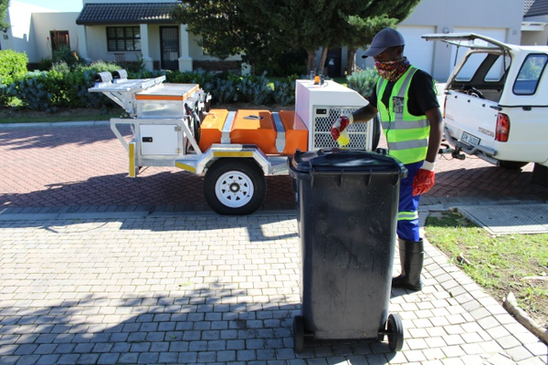 Twice a month wheelie bin cleaning picture