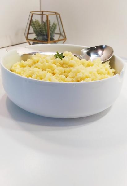 Porcelain serving bowl picture