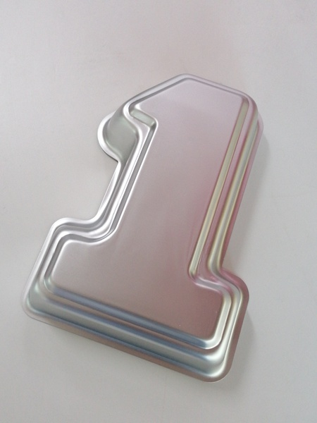 Number 1 aluminum cake pan picture