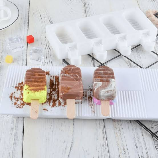 Silicone ribbed ice cream mould 4 cavity picture
