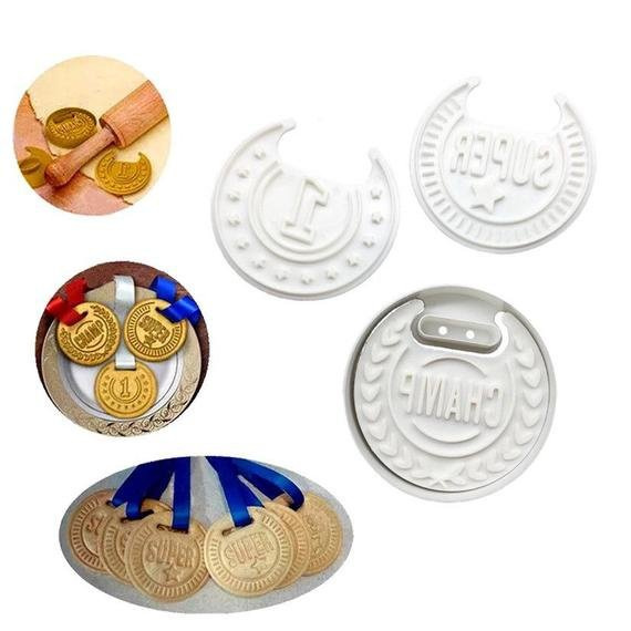 Medal cookie cutter set 4pc picture