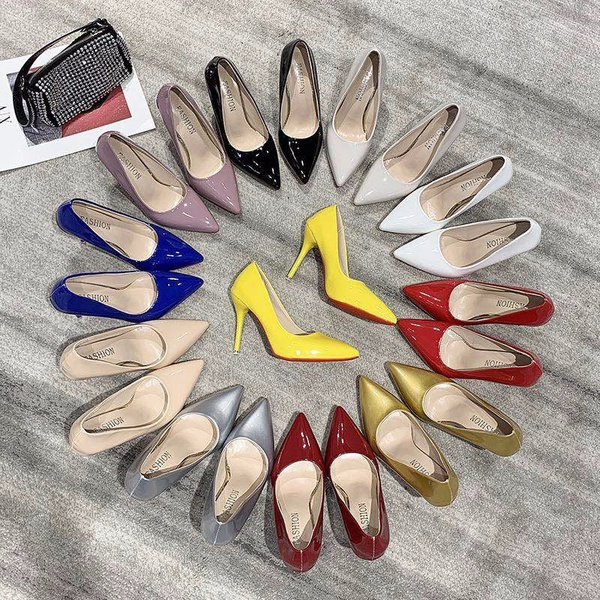 Court shoes picture
