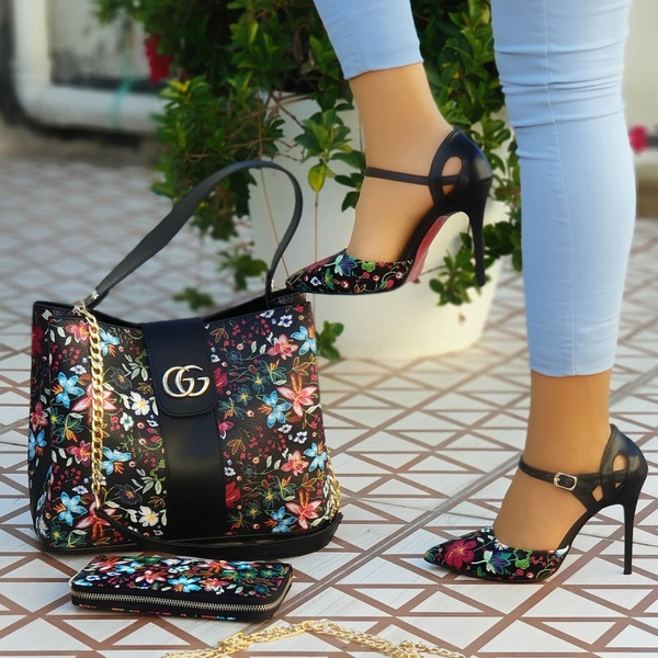 Gucci heels picture