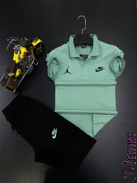 Nike golfer t and short picture