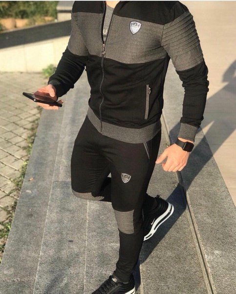 Ea7 tracksuits picture