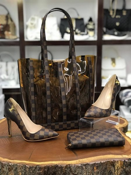 Louis vuitton high heels picture