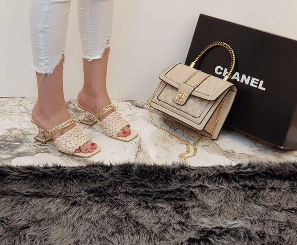 Chanel shoes picture