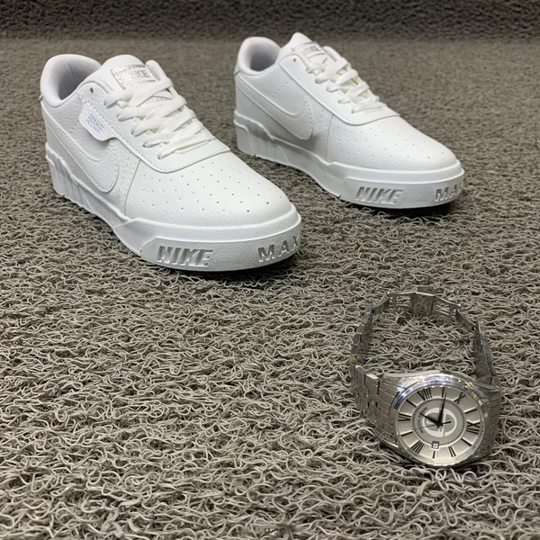 Nike sneaker picture