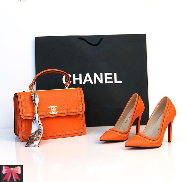 Chanel court shoes picture