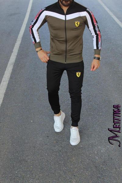Ferrari tracksuits picture